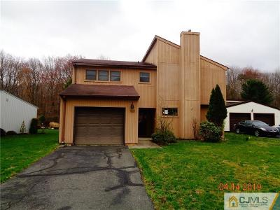 Old Bridge NJ Single Family Home For Sale: $289,000
