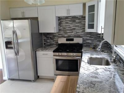 Sayreville Condo/Townhouse For Sale: 11 Chesterfield Way #3811