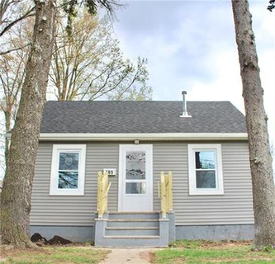 Colonia Single Family Home For Sale: 465 Inman Avenue