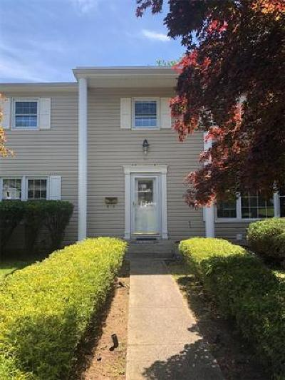 East Brunswick Single Family Home For Sale: 10 Kings Road