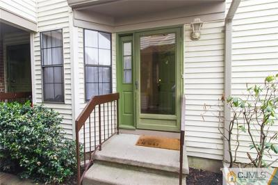 Sayreville Condo/Townhouse For Sale: 2809 Lighthouse Lane #2809