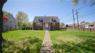 Colonia Single Family Home For Sale: 221 Inman Avenue