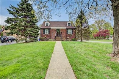 Somerset County Single Family Home For Sale: 661 Townsend Place