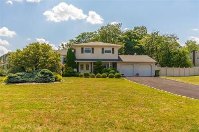 Sayreville Single Family Home For Sale: 14 Rota Drive