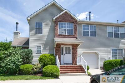 Piscataway Condo/Townhouse For Sale: 373 Bowler Court