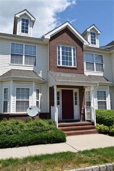 Piscataway Condo/Townhouse For Sale: 55 Forest Drive