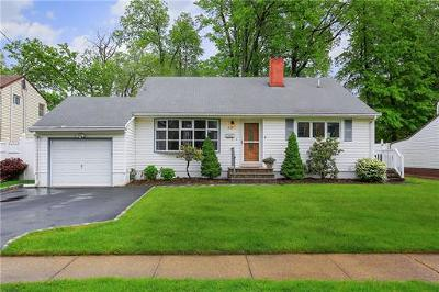 Colonia Single Family Home For Sale: 64 Drake Place