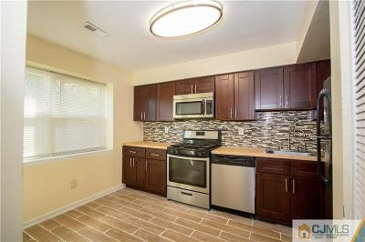 Edison Condo/Townhouse For Sale: 1925 Rasberry Court