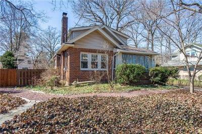 Metuchen Single Family Home For Sale: 3 Cliffwood Place