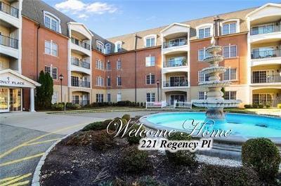 WOODBRIDGE Adult Community For Sale: 106 Regency Place