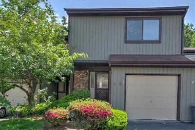 Old Bridge Condo/Townhouse For Sale: 85 Reynolds Court #85