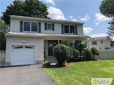South Plainfield Single Family Home For Sale: 9 Ward Place