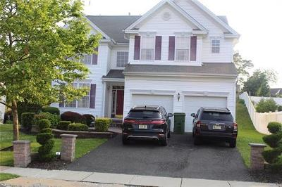 Sayreville Single Family Home For Sale: 11 Yetman Court