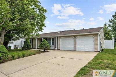 North Edison Single Family Home For Sale: 72 Wintergreen Avenue