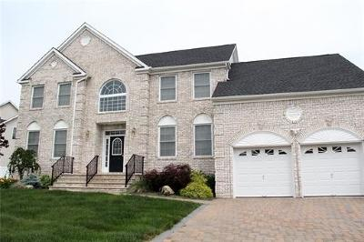 Monroe Single Family Home For Sale: 17 Lexi Lane