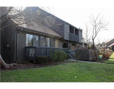 Edison Condo/Townhouse For Sale: 428 Westgate Drive