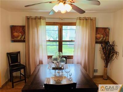 North Edison Single Family Home For Sale: 883 Inman Avenue