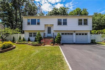 Edison Single Family Home For Sale: 33 Kingsbridge Drive