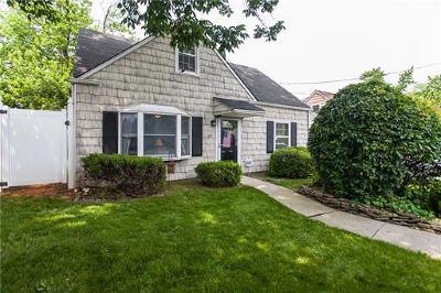 Edison Single Family Home For Sale: 61 Ovington Avenue