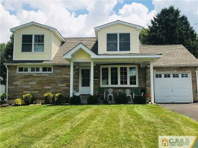 Colonia Single Family Home For Sale: 5 Country Club Drive