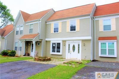East Brunswick Condo/Townhouse For Sale: 37 Anderson Court