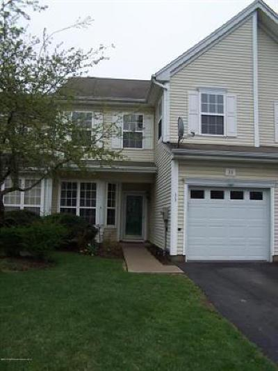 Sayreville Condo/Townhouse For Sale: 33 Tall Oaks Court