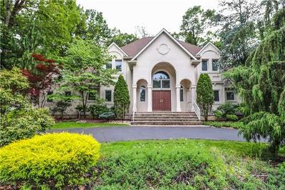 East Brunswick Single Family Home For Sale: 10 Cherokee Road