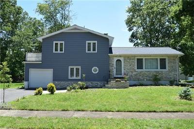 Old Bridge Single Family Home For Sale: 2 Dell Street
