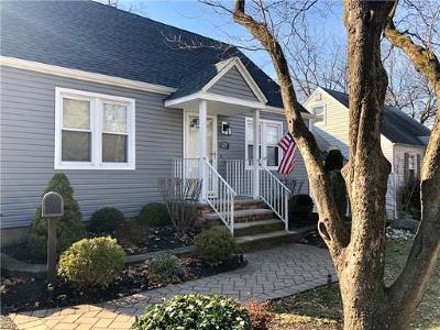 South Plainfield Single Family Home For Sale: 129 Lee Place
