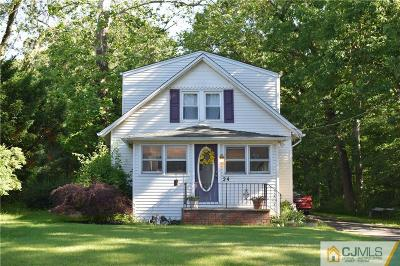 Old Bridge NJ Single Family Home For Sale: $219,000