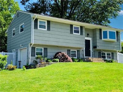Old Bridge NJ Single Family Home For Sale: $439,000