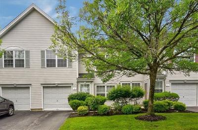 East Brunswick Single Family Home For Sale: 7 Hampton Place
