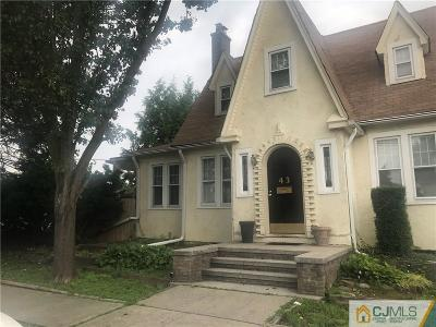 North Brunswick Single Family Home For Sale: 43 Cleremont Avenue