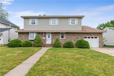 East Brunswick Single Family Home For Sale: 22 Green Acres Avenue
