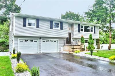 North Brunswick Single Family Home For Sale: 1377 Luke Street