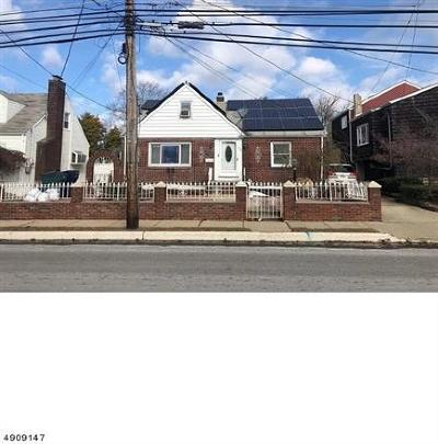 Perth Amboy Single Family Home For Sale: 576 Harding Avenue