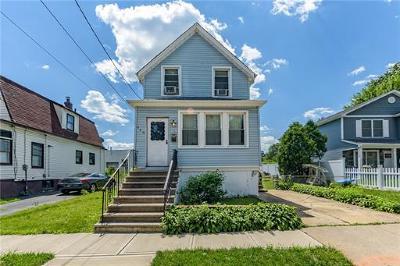 Roselle Single Family Home For Sale: 940 Oak Street