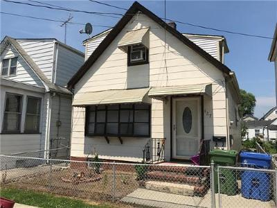 Perth Amboy Single Family Home For Sale: 427 Steadman Place