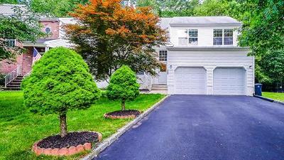 Old Bridge Single Family Home For Sale: 165 N Rutledge Court