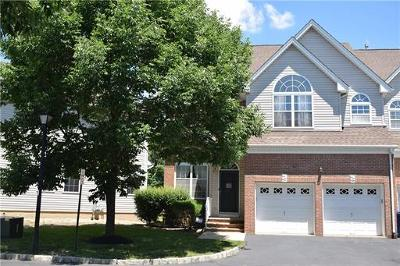North Brunswick Condo/Townhouse For Sale: 1107 Cottonwood Court