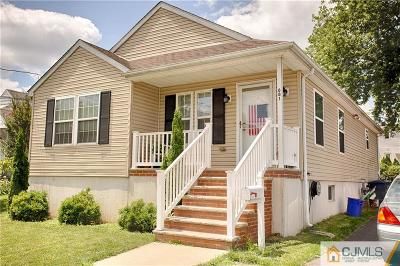 North Brunswick Single Family Home For Sale: 681 Edgewood Place