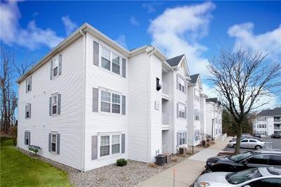 Edison Condo/Townhouse For Sale: 1138 Waterford Drive #1138