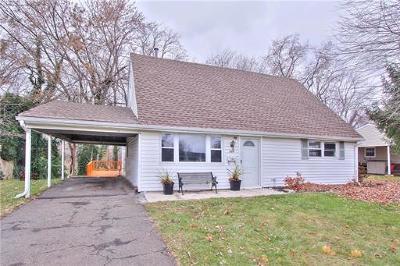 Old Bridge NJ Single Family Home For Sale: $274,900