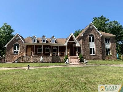 Colonia Single Family Home For Sale: 83 Ravine Drive