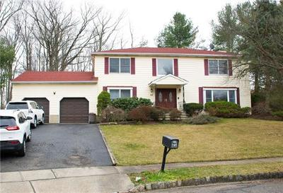 East Brunswick Single Family Home For Sale: 23 Vanderwater Court