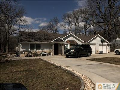 Edison Single Family Home For Sale: 9 Stephenville Parkway