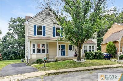 East Brunswick Condo/Townhouse For Sale: 6 Buttonwood Drive #6