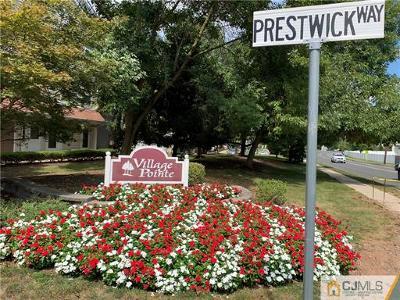 Edison Condo/Townhouse For Sale: 89 Prestwick Way #89