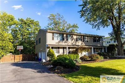 Piscataway Single Family Home For Sale: 87 Ross Hall Boulevard