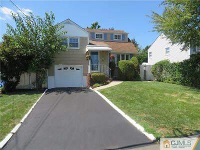 Sayreville Single Family Home For Sale: 43 Robin Place
